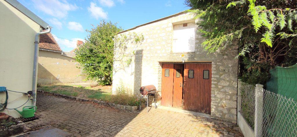 Maison à vendre 4 120m2 à Château-Landon vignette-2
