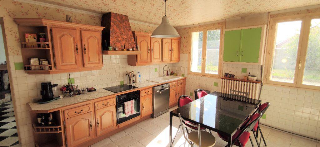 Maison à vendre 4 120m2 à Château-Landon vignette-5