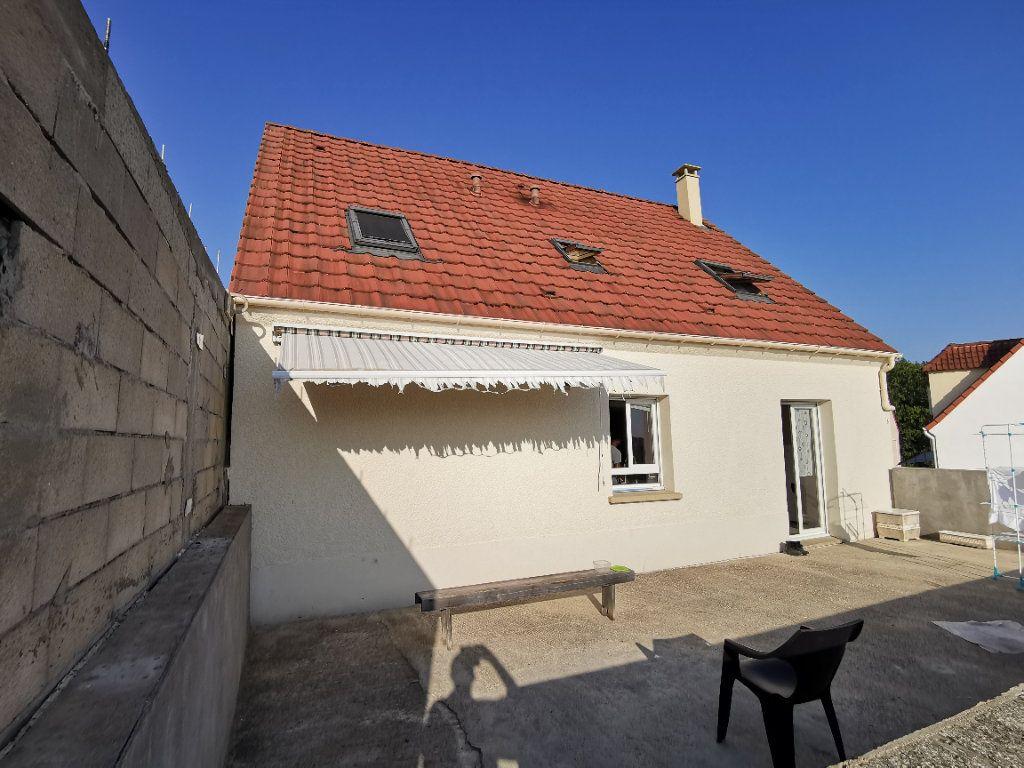 Maison à vendre 4 101m2 à Souppes-sur-Loing vignette-1
