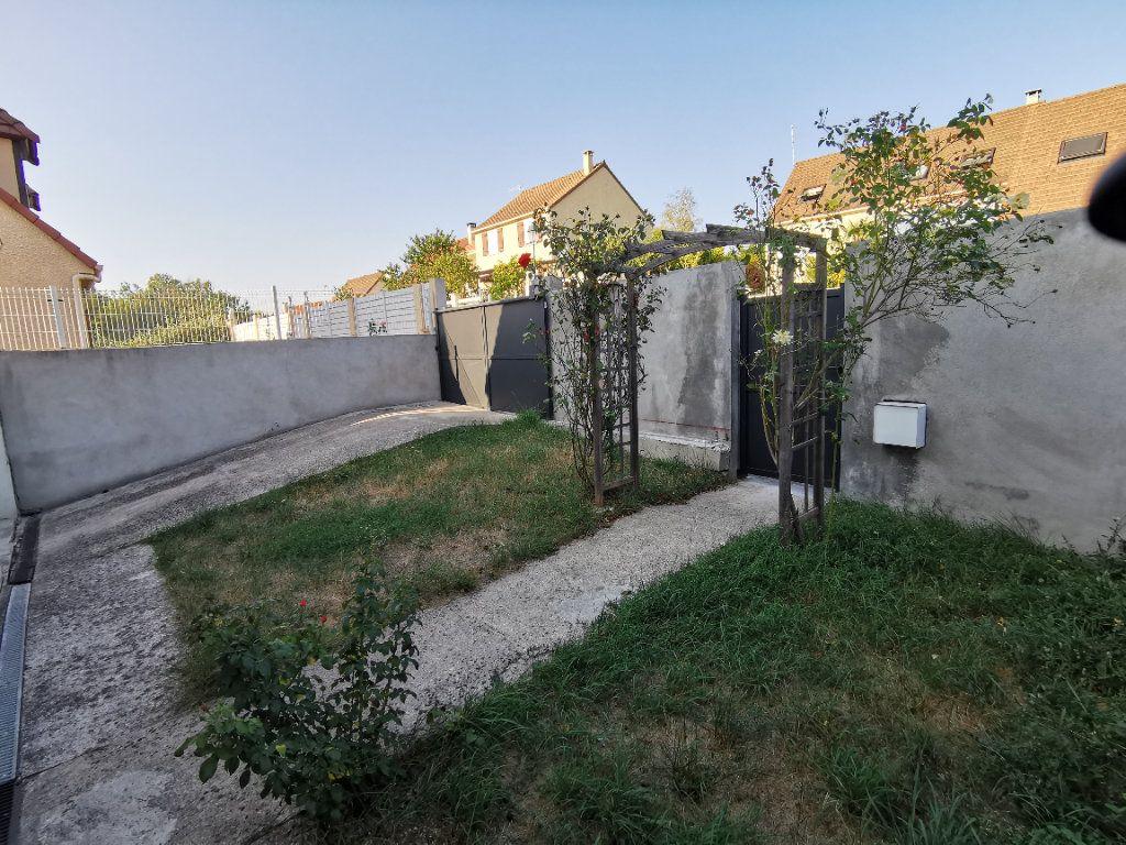Maison à vendre 4 101m2 à Souppes-sur-Loing vignette-2