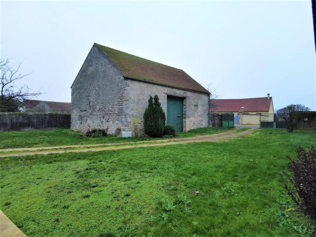 Maison à vendre 1 95m2 à Saint-Pierre-lès-Nemours vignette-1