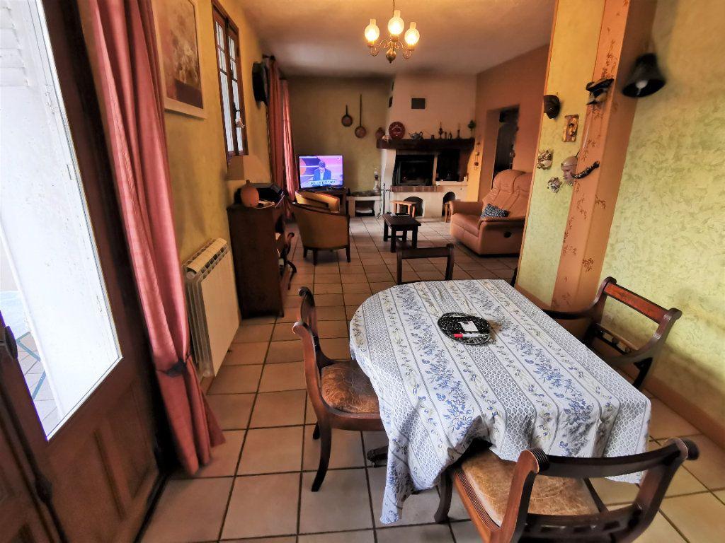 Maison à vendre 5 125m2 à Saint-Pierre-lès-Nemours vignette-3