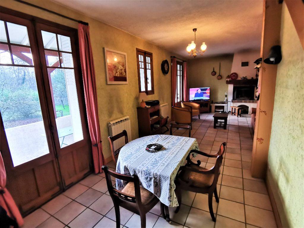 Maison à vendre 5 125m2 à Saint-Pierre-lès-Nemours vignette-4