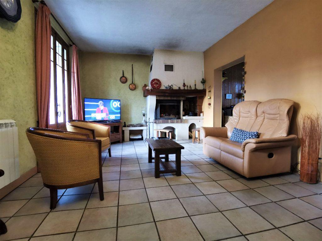 Maison à vendre 5 125m2 à Saint-Pierre-lès-Nemours vignette-7