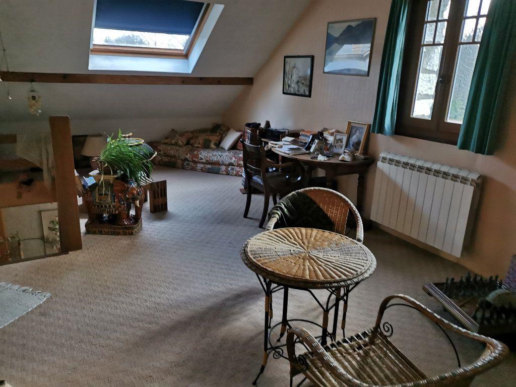 Maison à vendre 5 125m2 à Saint-Pierre-lès-Nemours vignette-11