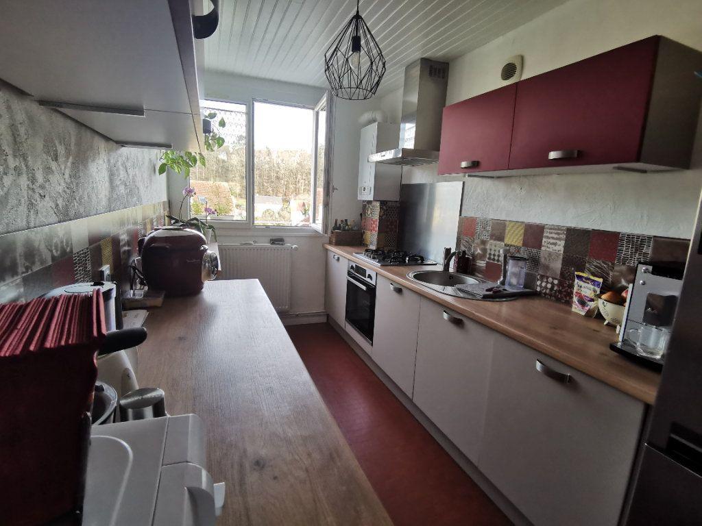 Appartement à vendre 5 91.37m2 à Nemours vignette-1