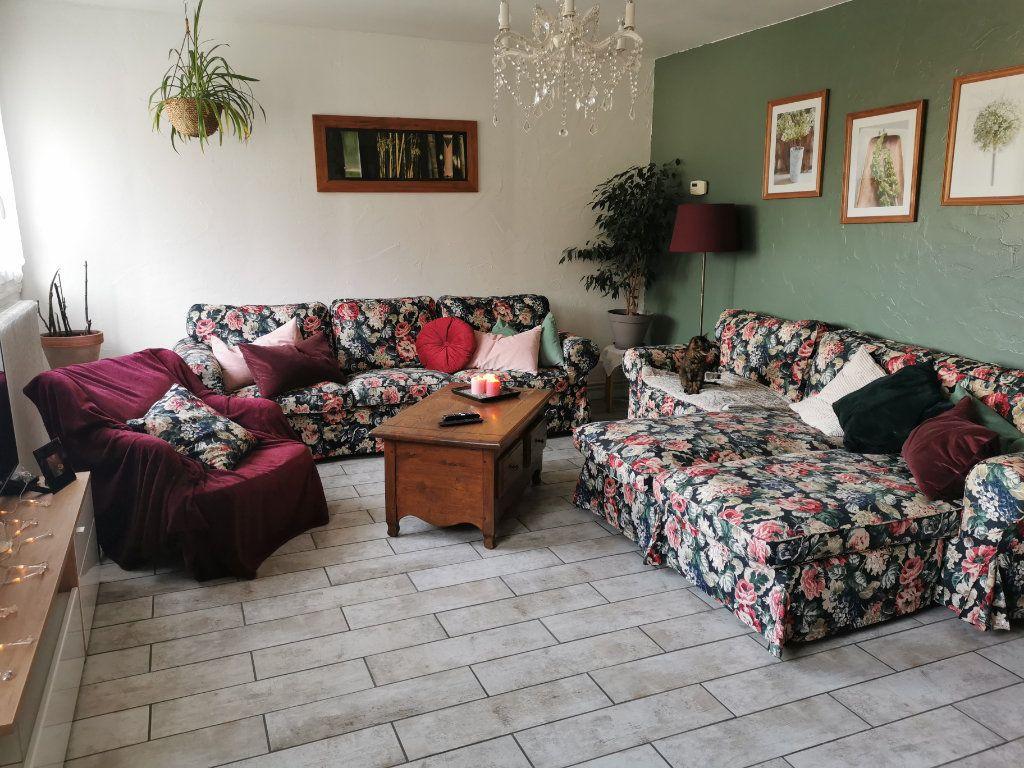 Appartement à vendre 5 91.37m2 à Nemours vignette-4