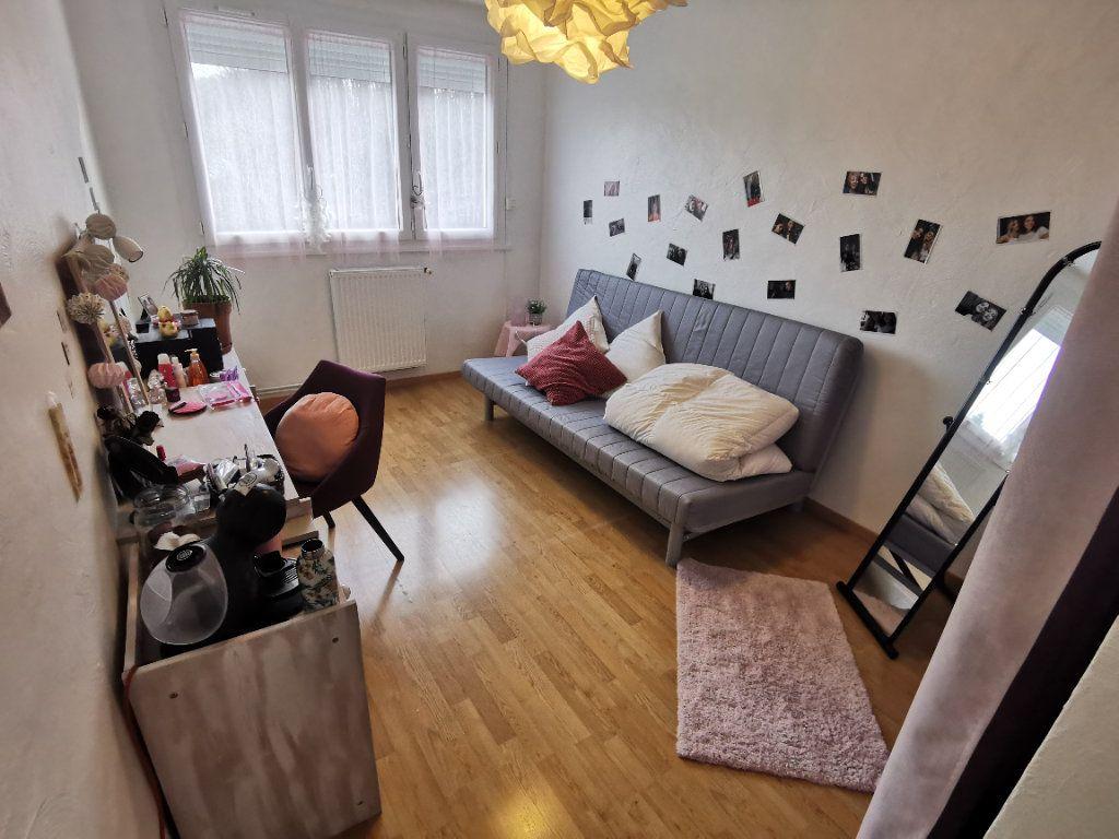 Appartement à vendre 5 91.37m2 à Nemours vignette-5