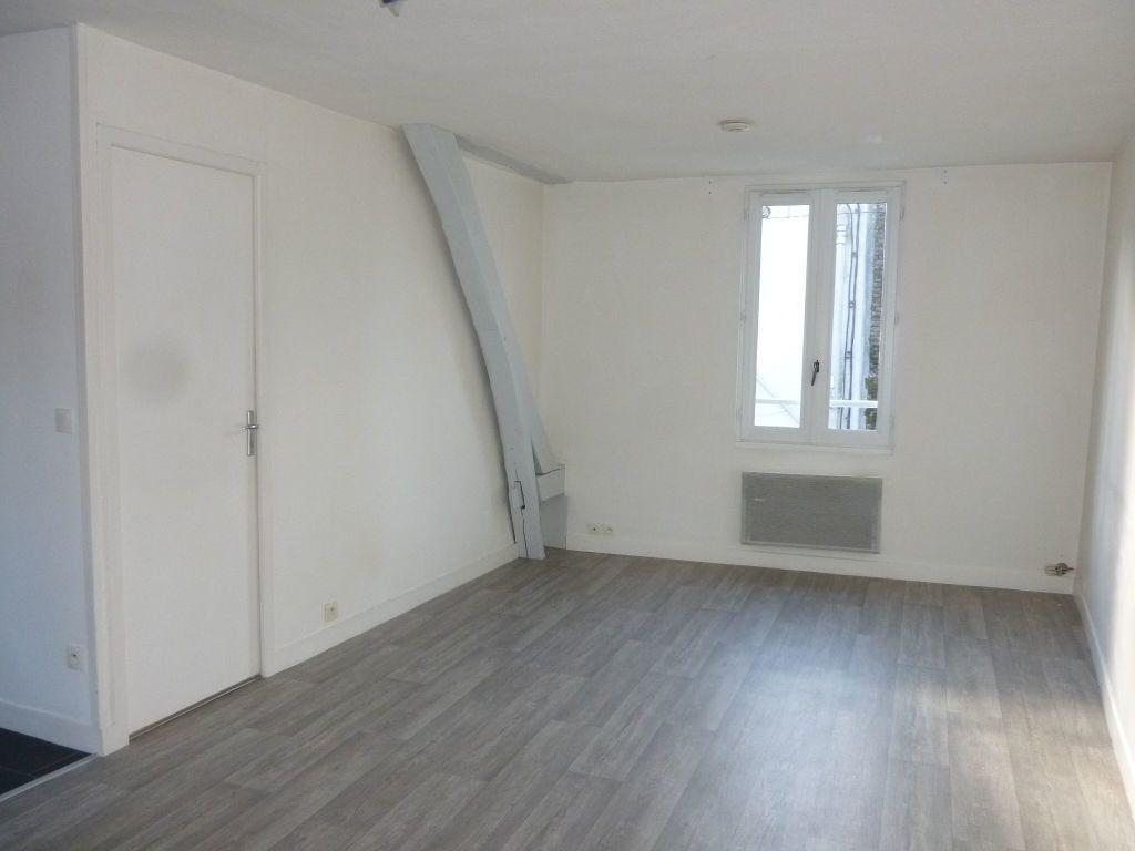 Appartement à louer 2 37.46m2 à Nemours vignette-1
