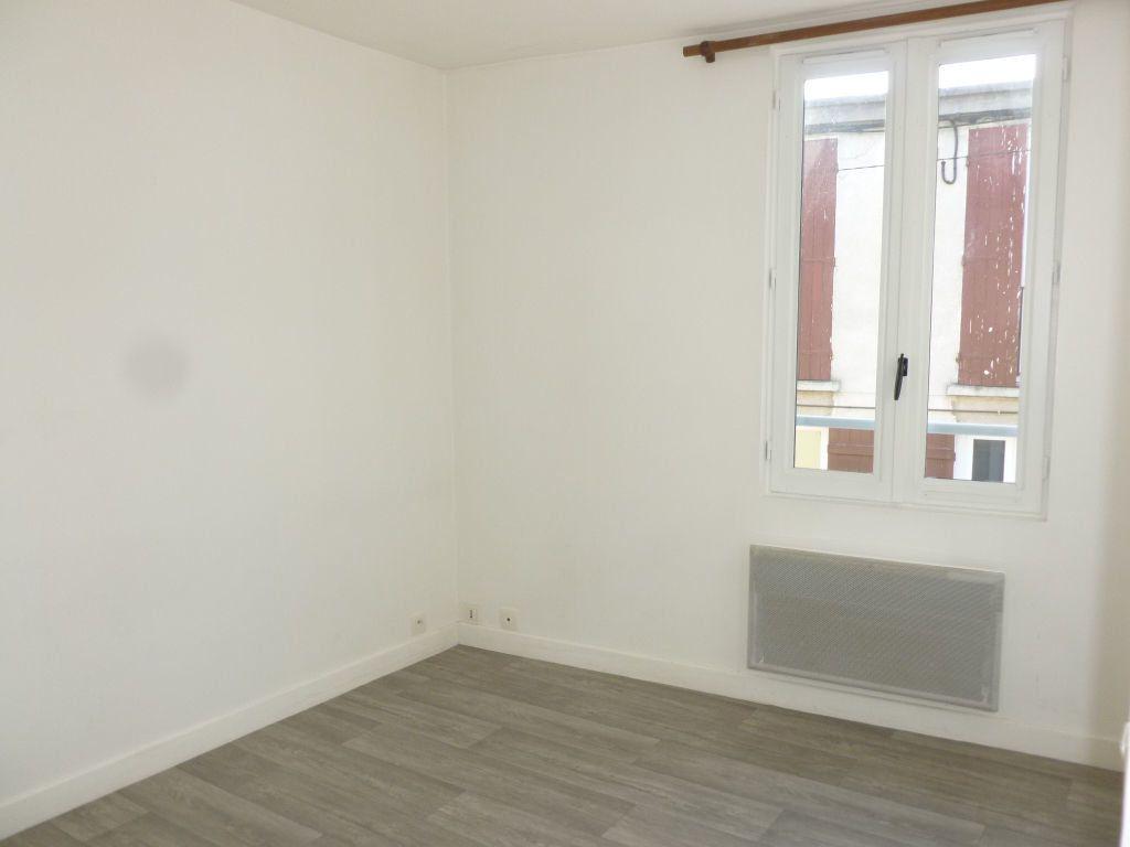 Appartement à louer 2 37.46m2 à Nemours vignette-4