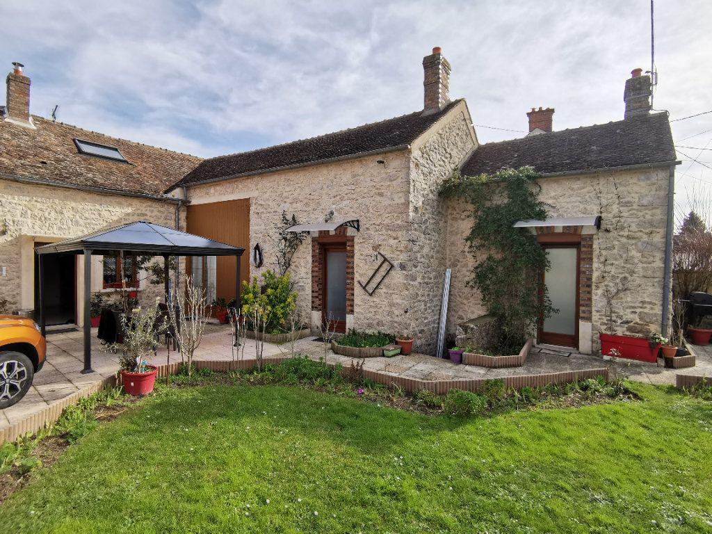 Maison à vendre 5 220m2 à Bagneaux-sur-Loing vignette-2