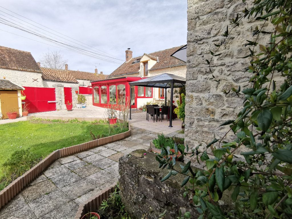 Maison à vendre 5 220m2 à Bagneaux-sur-Loing vignette-12