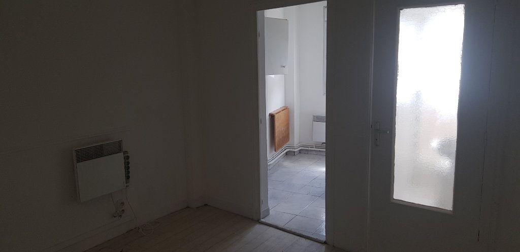 Appartement à louer 1 17.55m2 à Nemours vignette-1