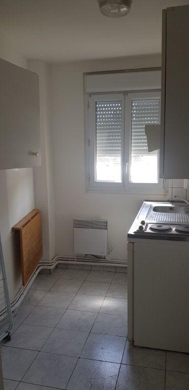 Appartement à louer 1 17.55m2 à Nemours vignette-3