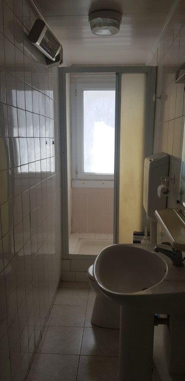 Appartement à louer 1 17.55m2 à Nemours vignette-4