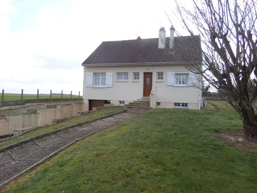 Maison à vendre 4 88m2 à Saint-Pierre-lès-Nemours vignette-1