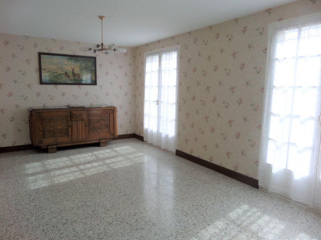 Maison à vendre 4 88m2 à Saint-Pierre-lès-Nemours vignette-4