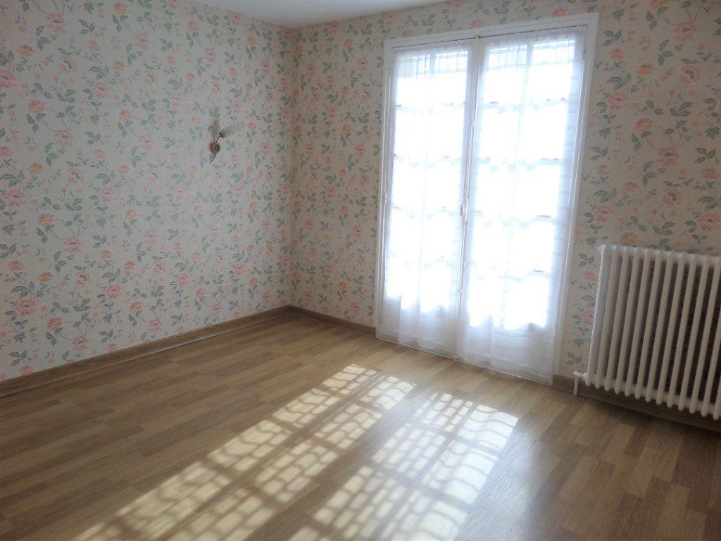 Maison à vendre 4 88m2 à Saint-Pierre-lès-Nemours vignette-11