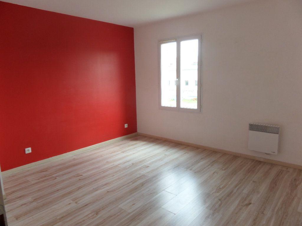Maison à vendre 5 87m2 à Saint-Pierre-lès-Nemours vignette-3