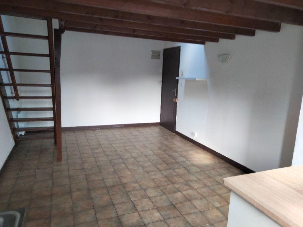 Appartement à louer 2 29.35m2 à Souppes-sur-Loing vignette-2