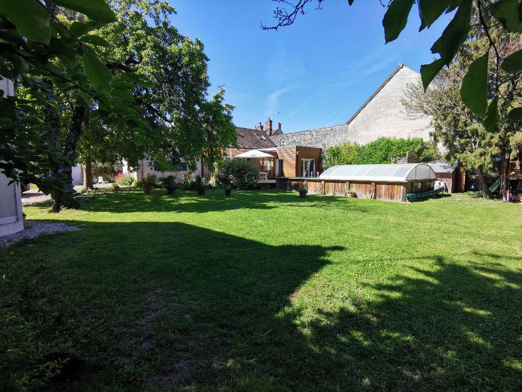 Maison à vendre 10 238m2 à Saint-Pierre-lès-Nemours vignette-3