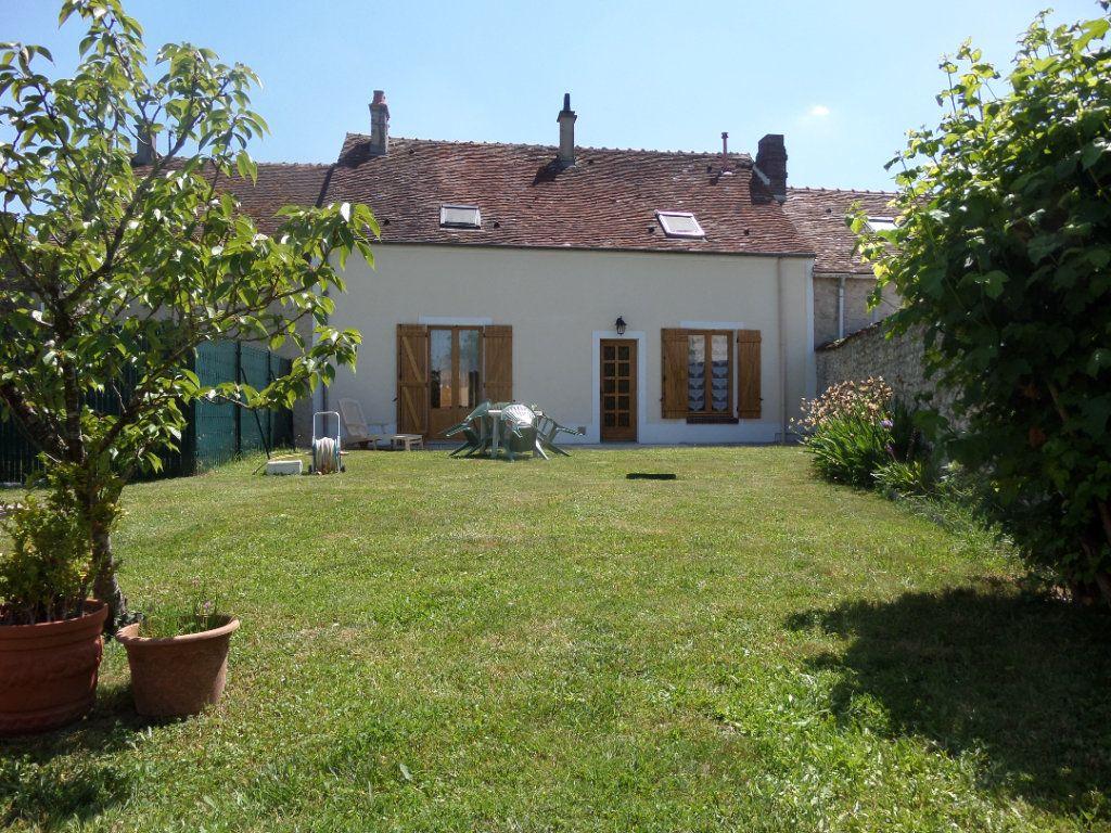 Maison à vendre 5 100m2 à Chevrainvilliers vignette-1
