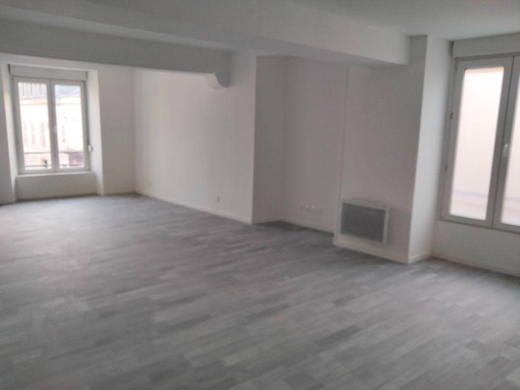 Appartement à louer 4 90.32m2 à Puiseaux vignette-1