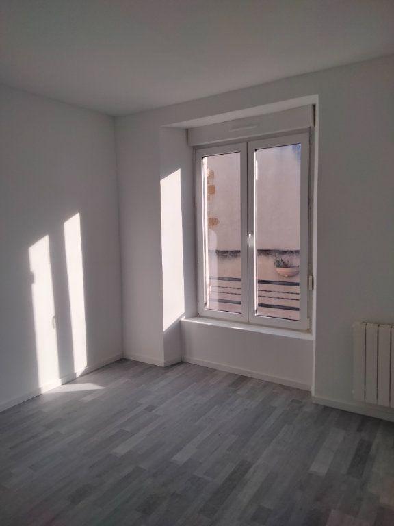 Appartement à louer 4 90.32m2 à Puiseaux vignette-4