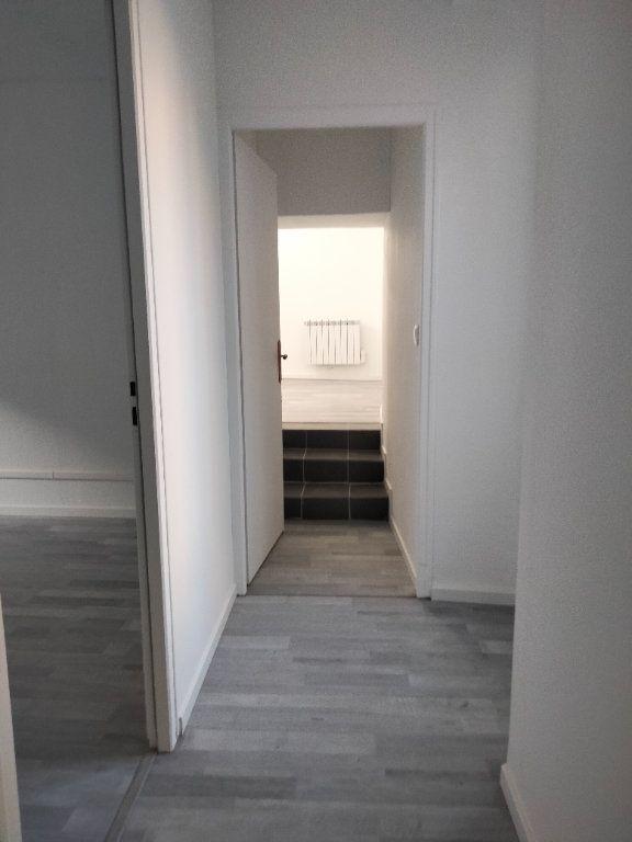 Appartement à louer 4 90.32m2 à Puiseaux vignette-6