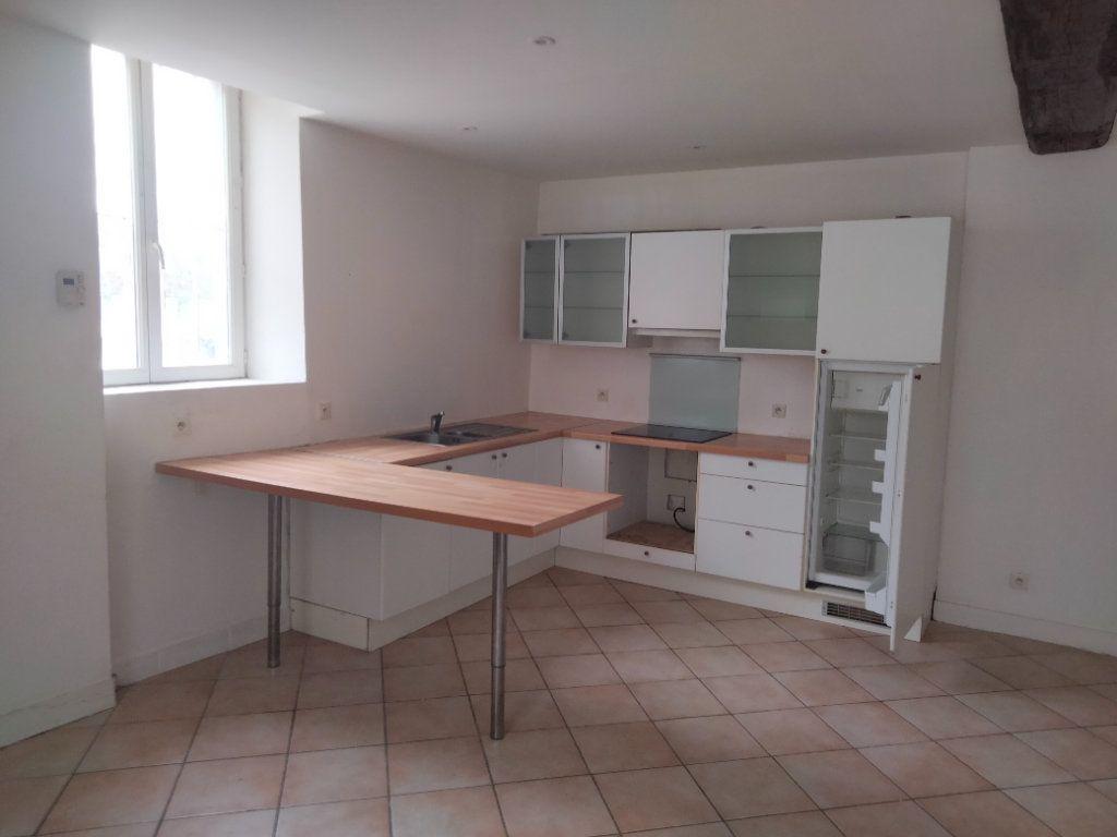 Appartement à louer 3 55.26m2 à Nemours vignette-2
