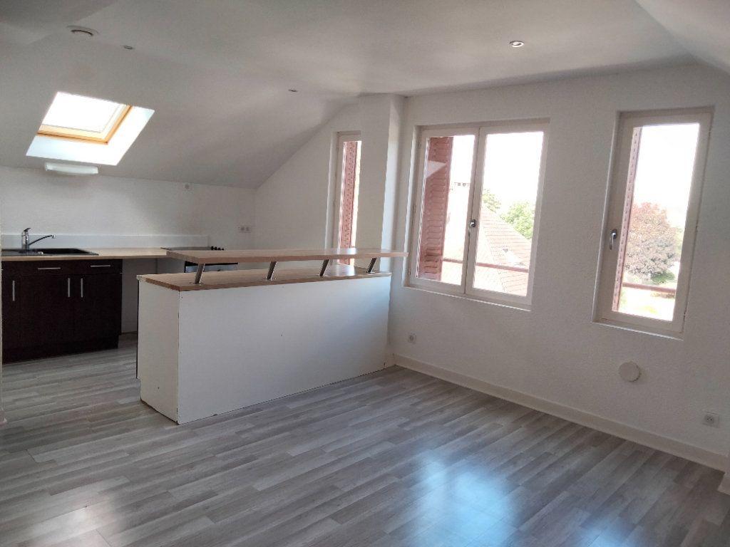 Appartement à louer 3 61m2 à Sens vignette-2
