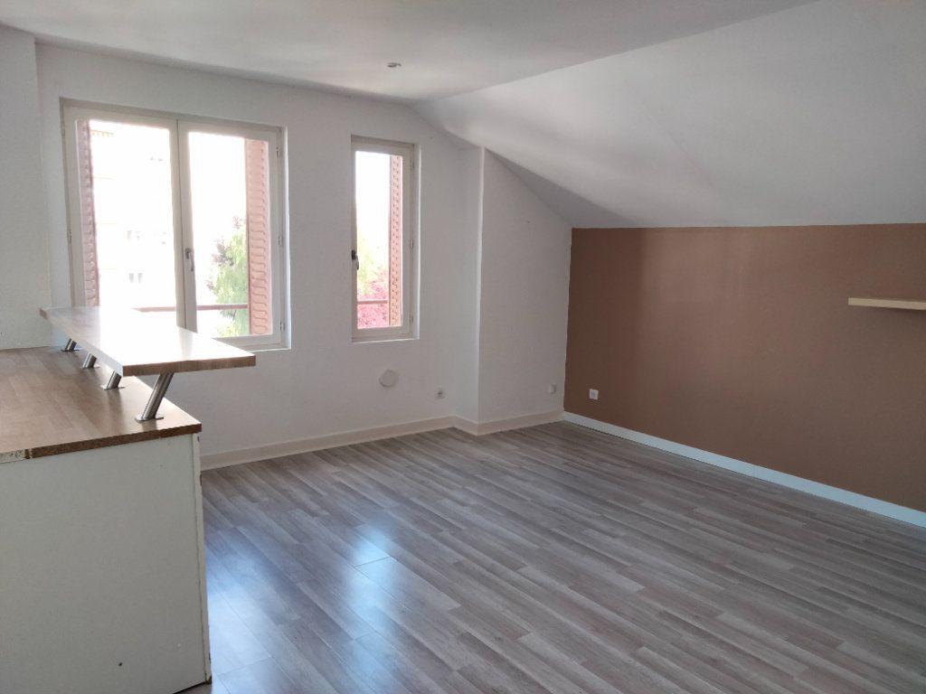 Appartement à louer 3 61m2 à Sens vignette-3