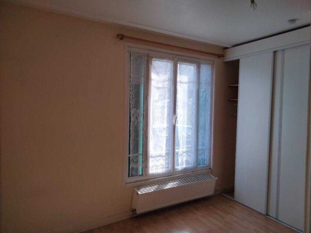 Appartement à louer 1 23m2 à Nemours vignette-2