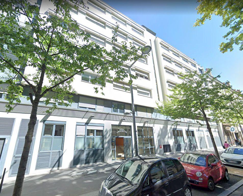 Appartement à louer 1 20m2 à Lyon 3 vignette-5