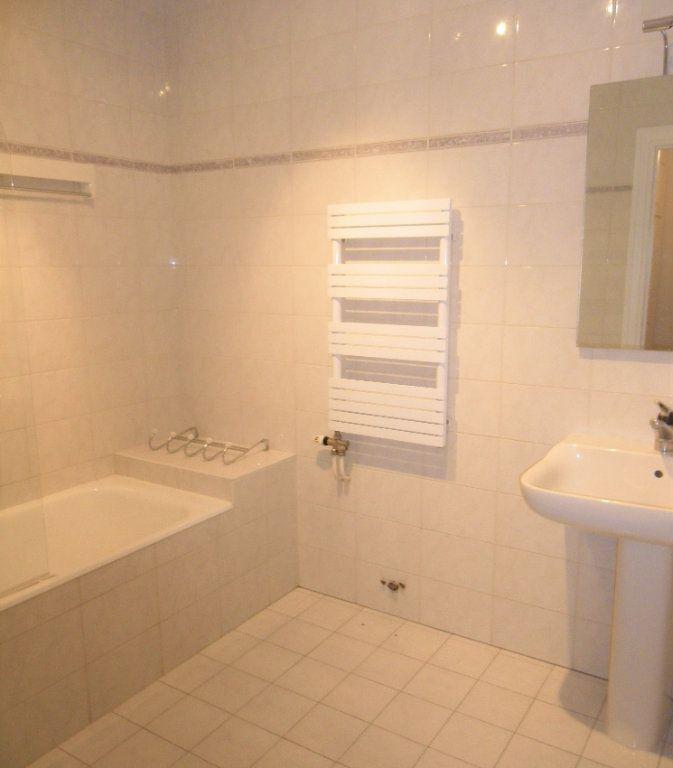 Appartement à louer 2 53.35m2 à Lyon 6 vignette-4