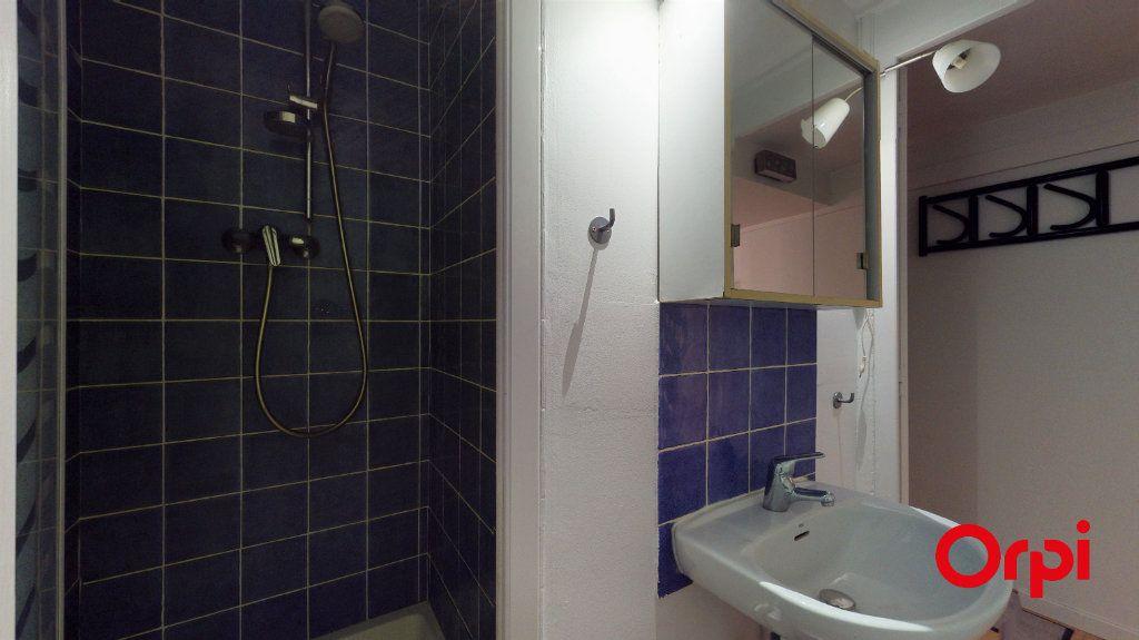 Appartement à louer 2 32m2 à Lyon 1 vignette-6