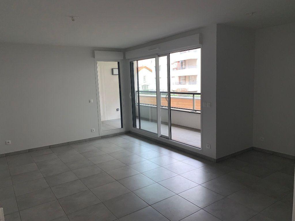 Appartement à vendre 2 47m2 à Villeurbanne vignette-2