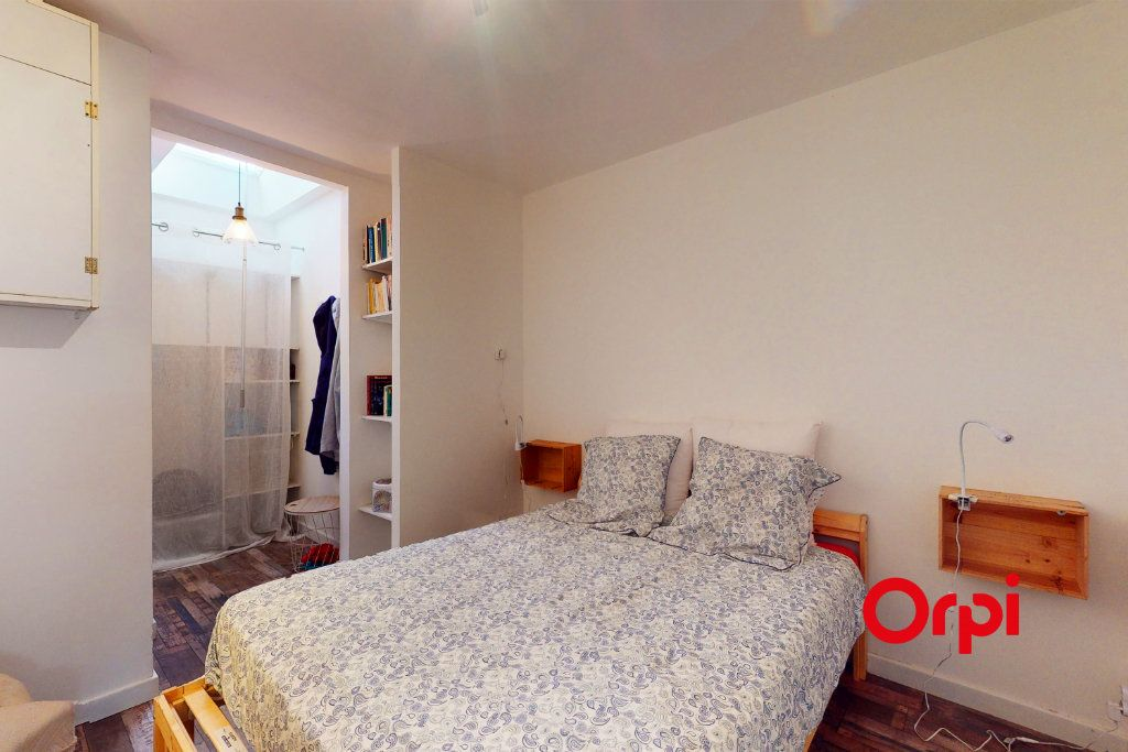 Appartement à louer 2 38m2 à Lyon 6 vignette-5