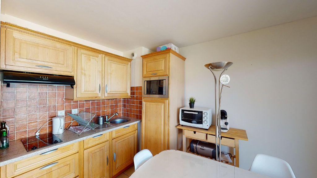 Appartement à louer 1 26m2 à Vaulx-en-Velin vignette-3