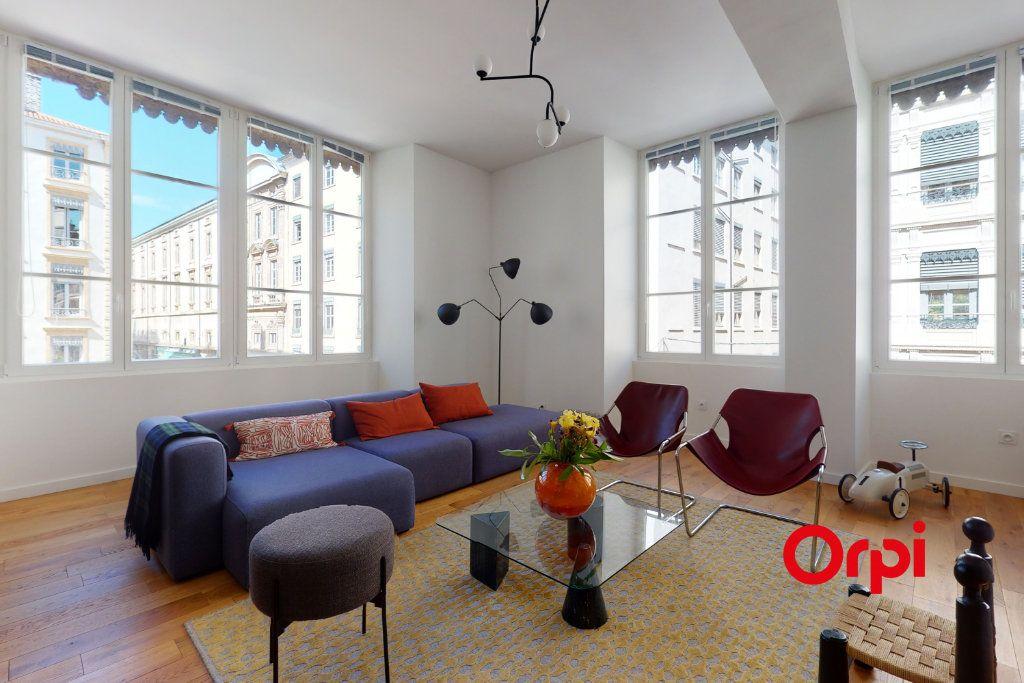 Appartement à vendre 5 140.15m2 à Lyon 1 vignette-1