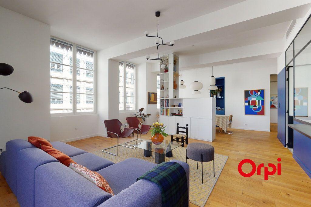 Appartement à vendre 5 140.15m2 à Lyon 1 vignette-2