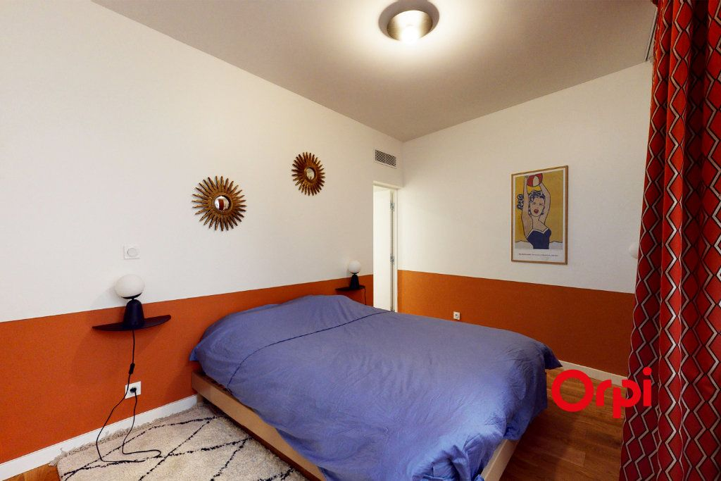 Appartement à vendre 5 140.15m2 à Lyon 1 vignette-5