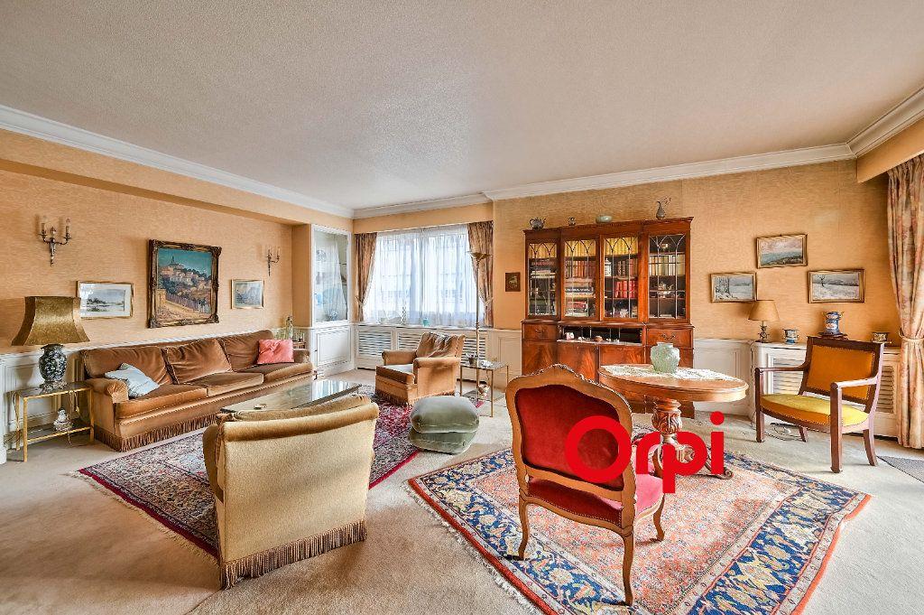 Appartement à vendre 5 157.25m2 à Lyon 3 vignette-1