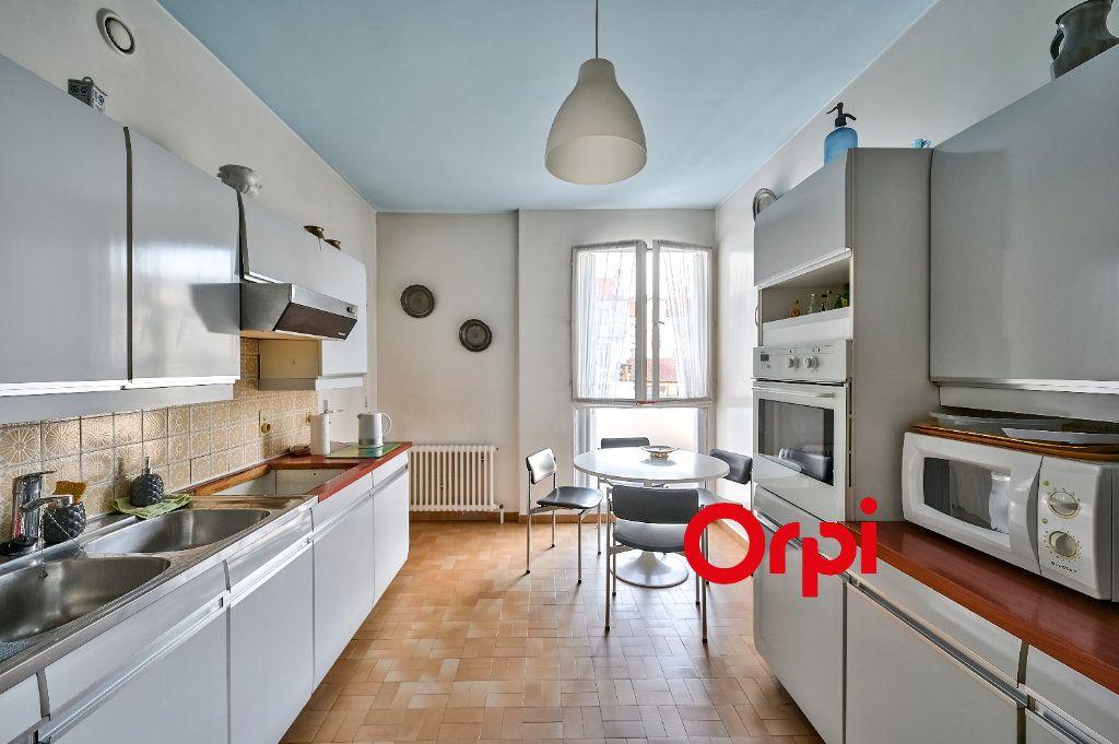 Appartement à vendre 5 157.25m2 à Lyon 3 vignette-6