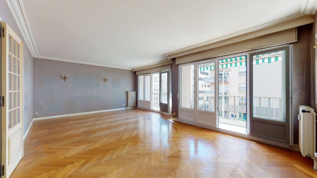 Appartement à vendre 4 118.51m2 à Lyon 6 vignette-1