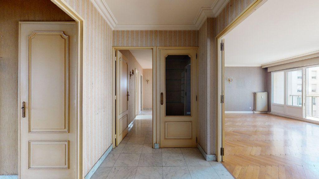 Appartement à vendre 4 118.51m2 à Lyon 6 vignette-3
