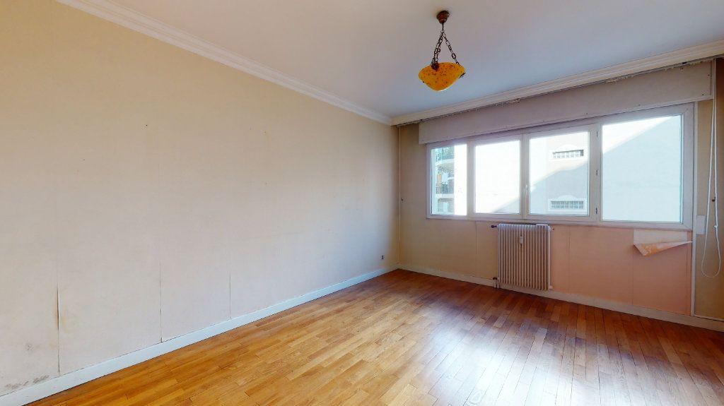 Appartement à vendre 4 118.51m2 à Lyon 6 vignette-5