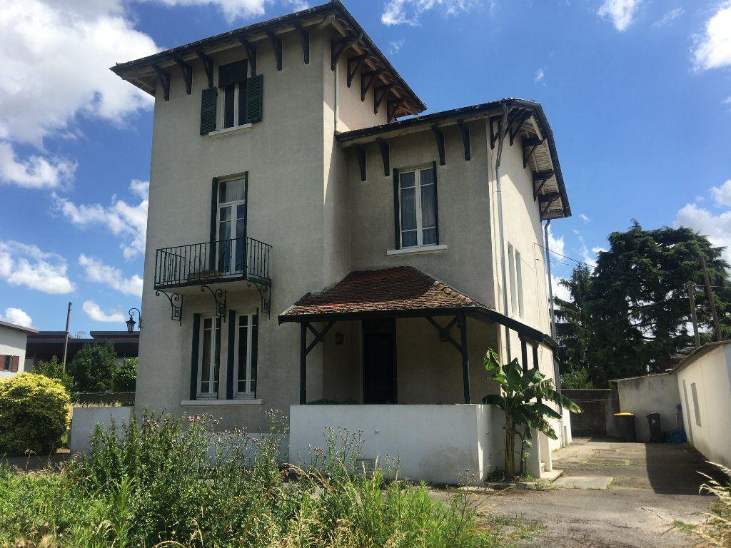 Maison à vendre 6 177m2 à Beynost vignette-1