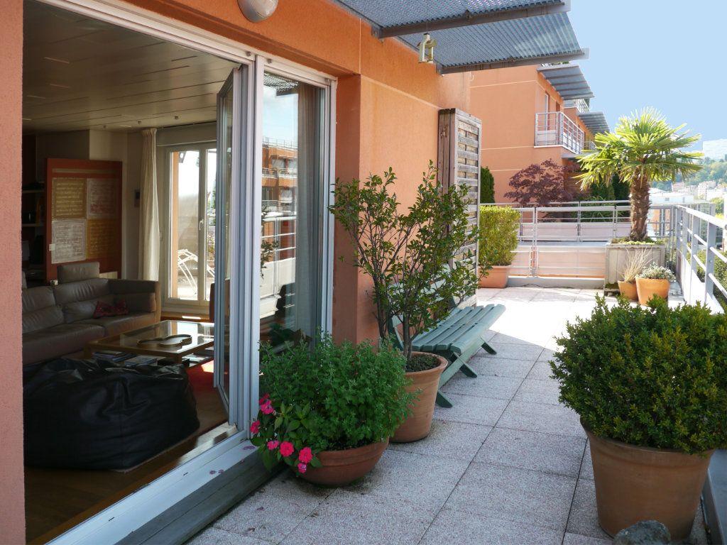 Appartement à vendre 4 112.65m2 à Lyon 6 vignette-1