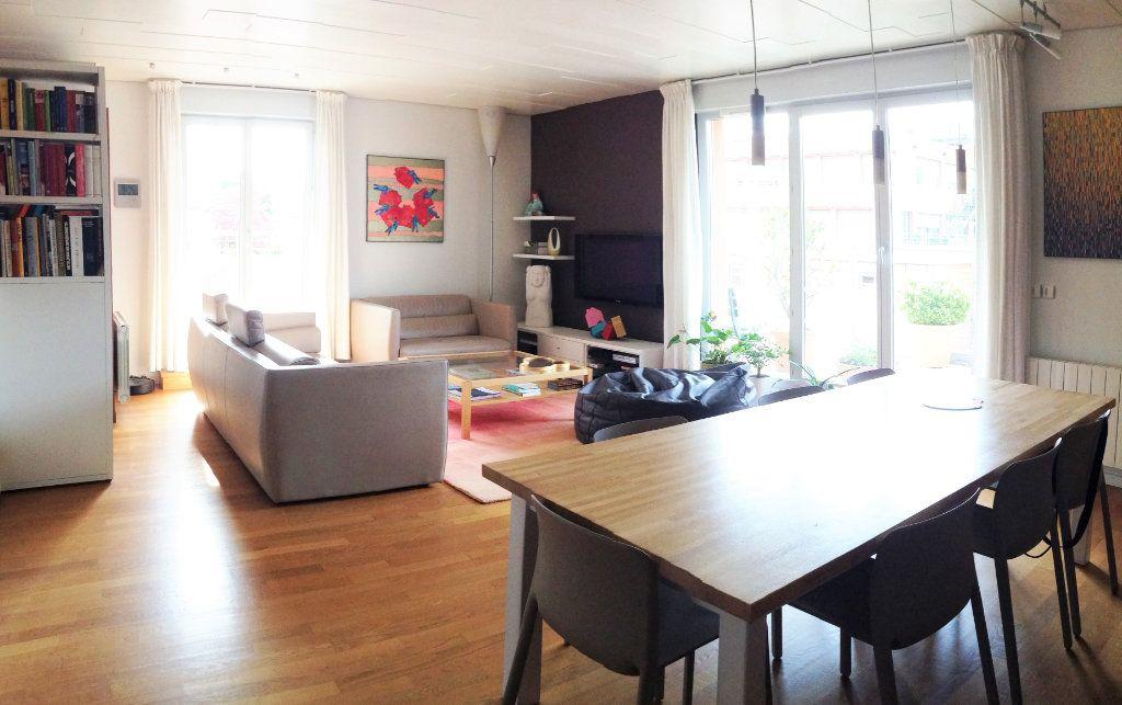 Appartement à vendre 4 112.65m2 à Lyon 6 vignette-2